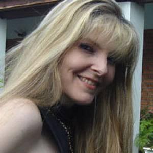 Ilona Vozari